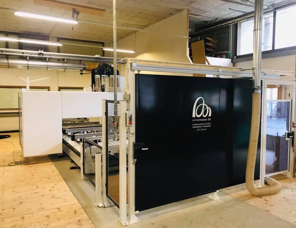Machine à commandes numériques CNC